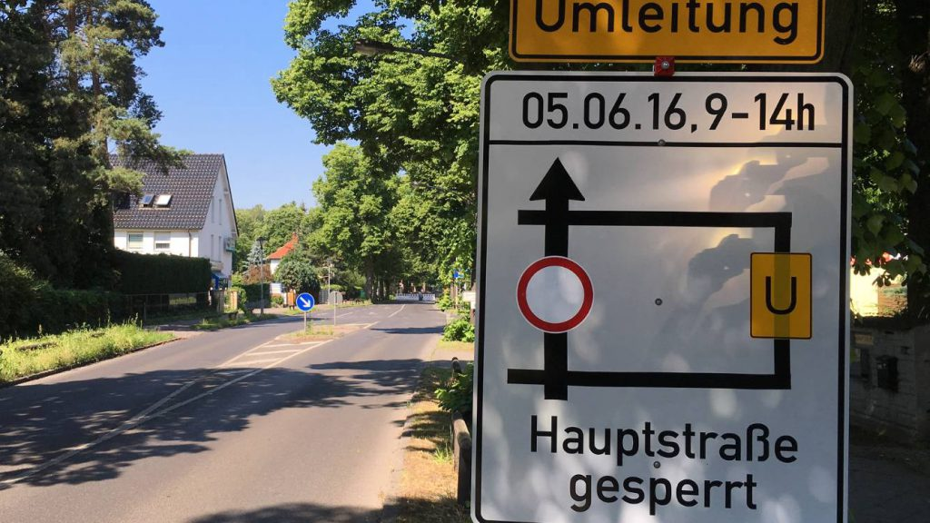 Umleitung Straßensperrung